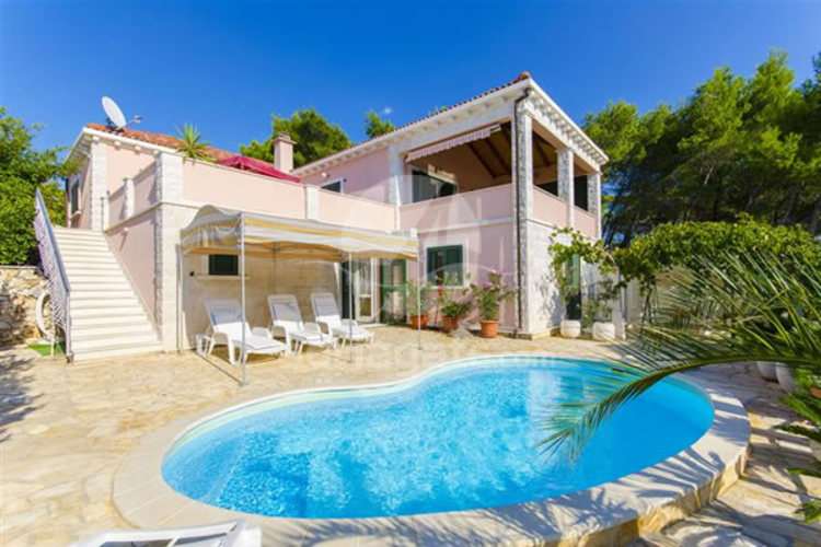 Accommodation for newlyweds and guests in Croatia