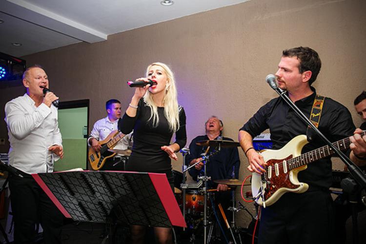 Band Bolero
